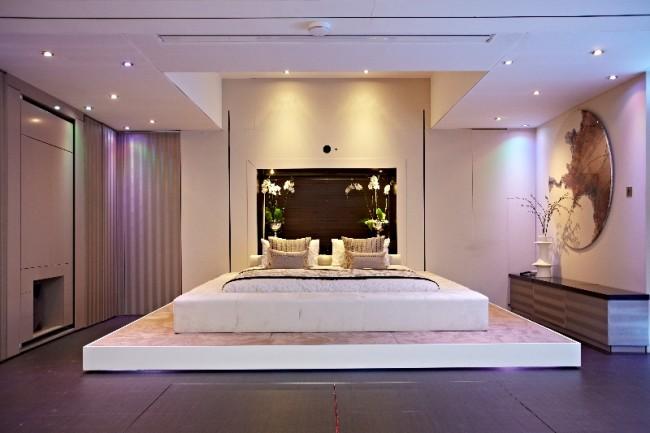 modern bedroom 650x433 Akıllı Ev Dekorasyonu 2013